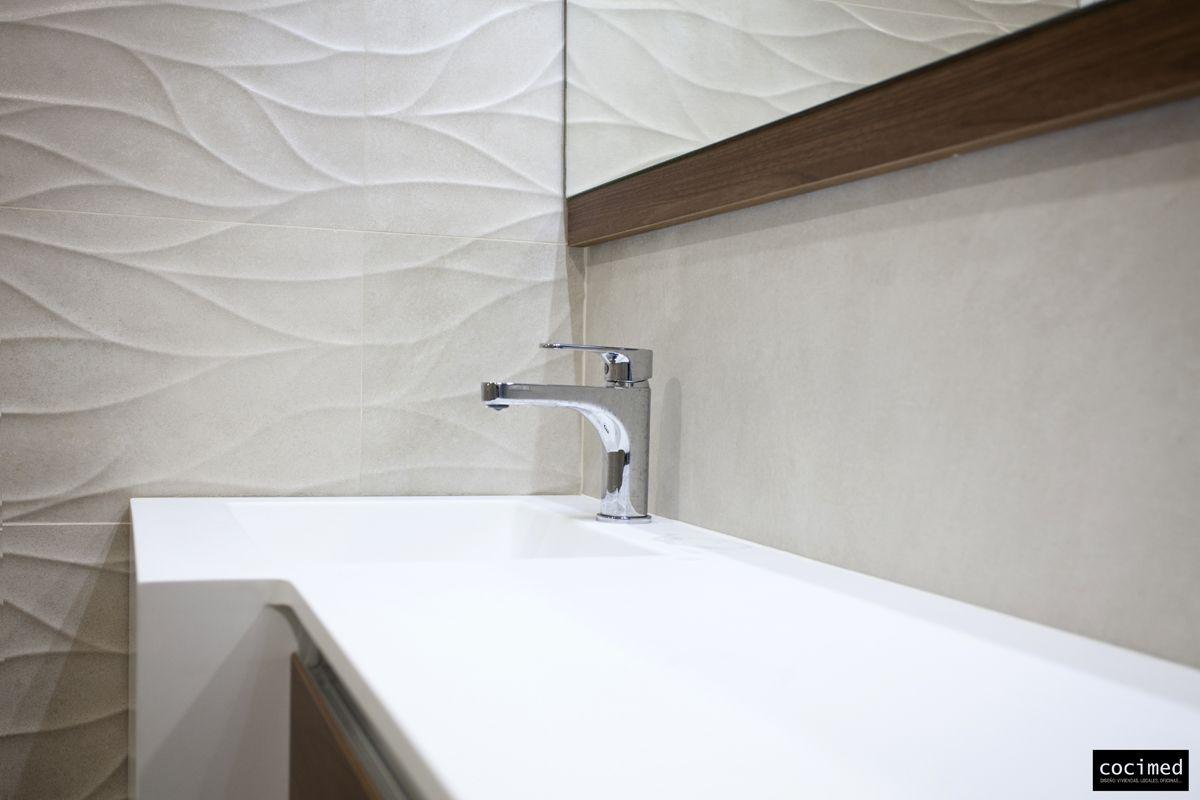 plato de ducha textura mueble lavabo en resina y madera