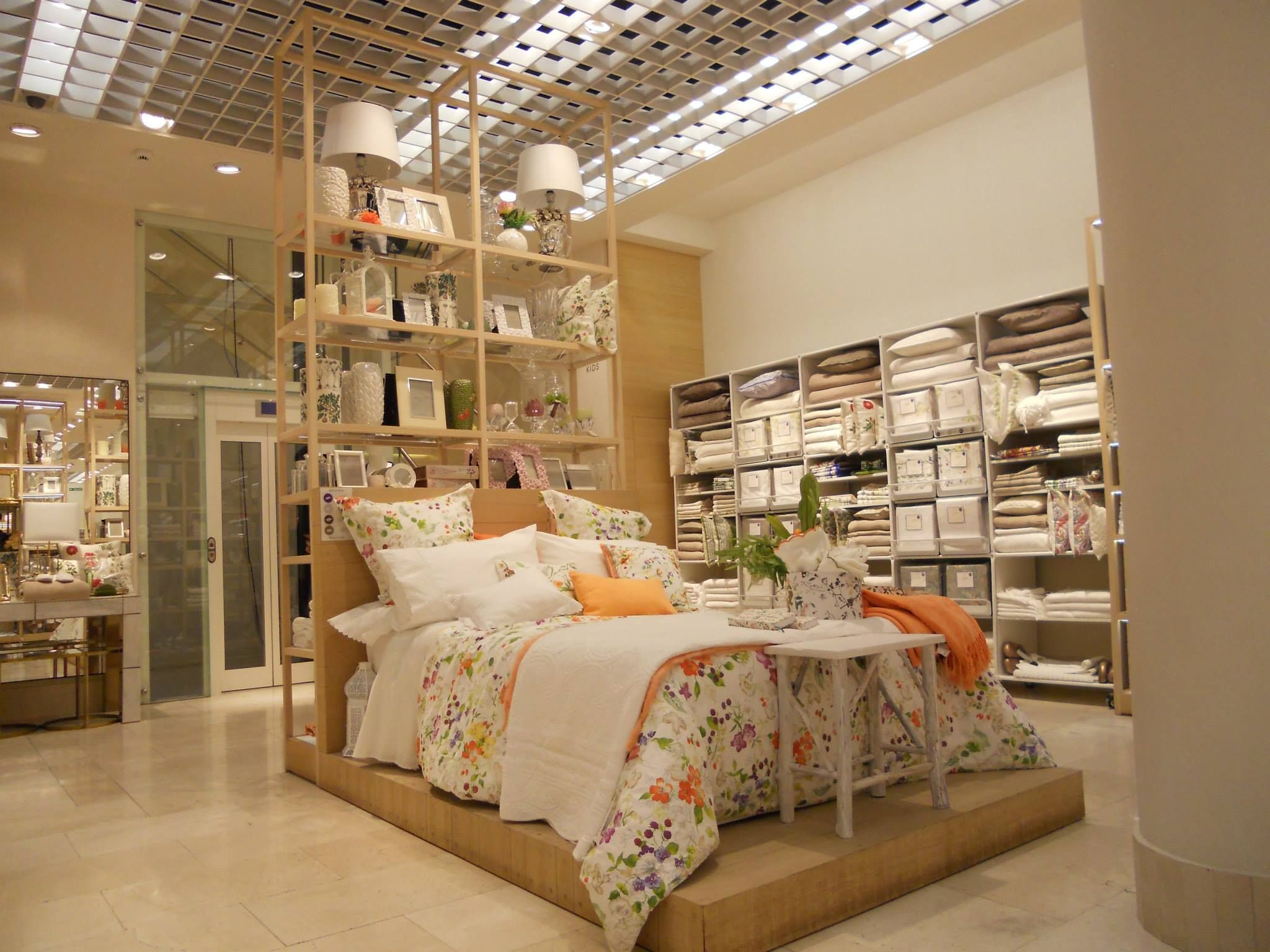 zara home escaparate interior escaparates interiores pinterest display and pallets. Black Bedroom Furniture Sets. Home Design Ideas
