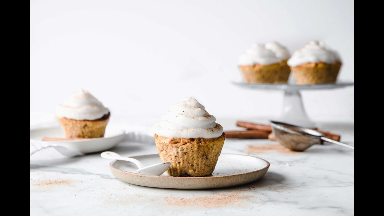 Keto Pumpkin Spice Cupcakes with Marshmallow Frosting - YouTube #pumpkinspicecupcakes