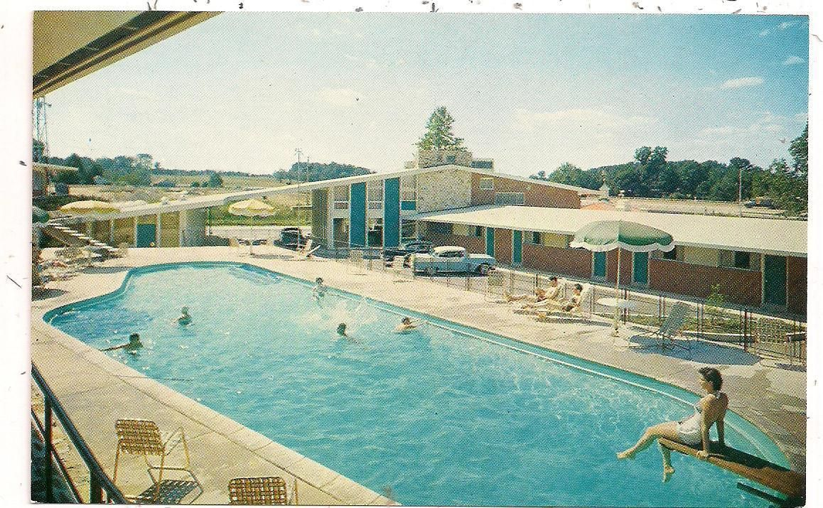 Howard Johnson's Motor Lodge, Route 611 at Willow Grove