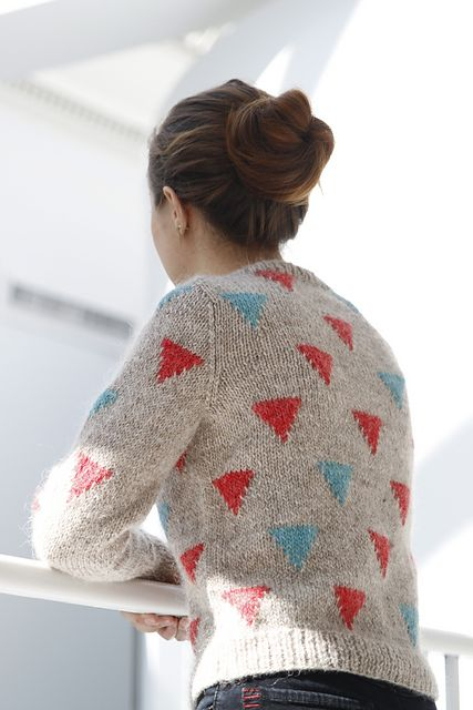 Ravelry: Happy Triangles pattern by Kiyomi Burgin
