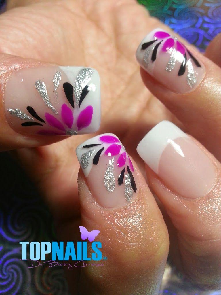 Uñas Acrílicas Francesas con diseños Florales Pintados a mano alzada ...
