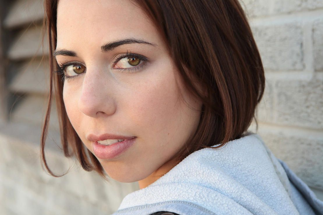 photo Laura Bailey (voice actress)