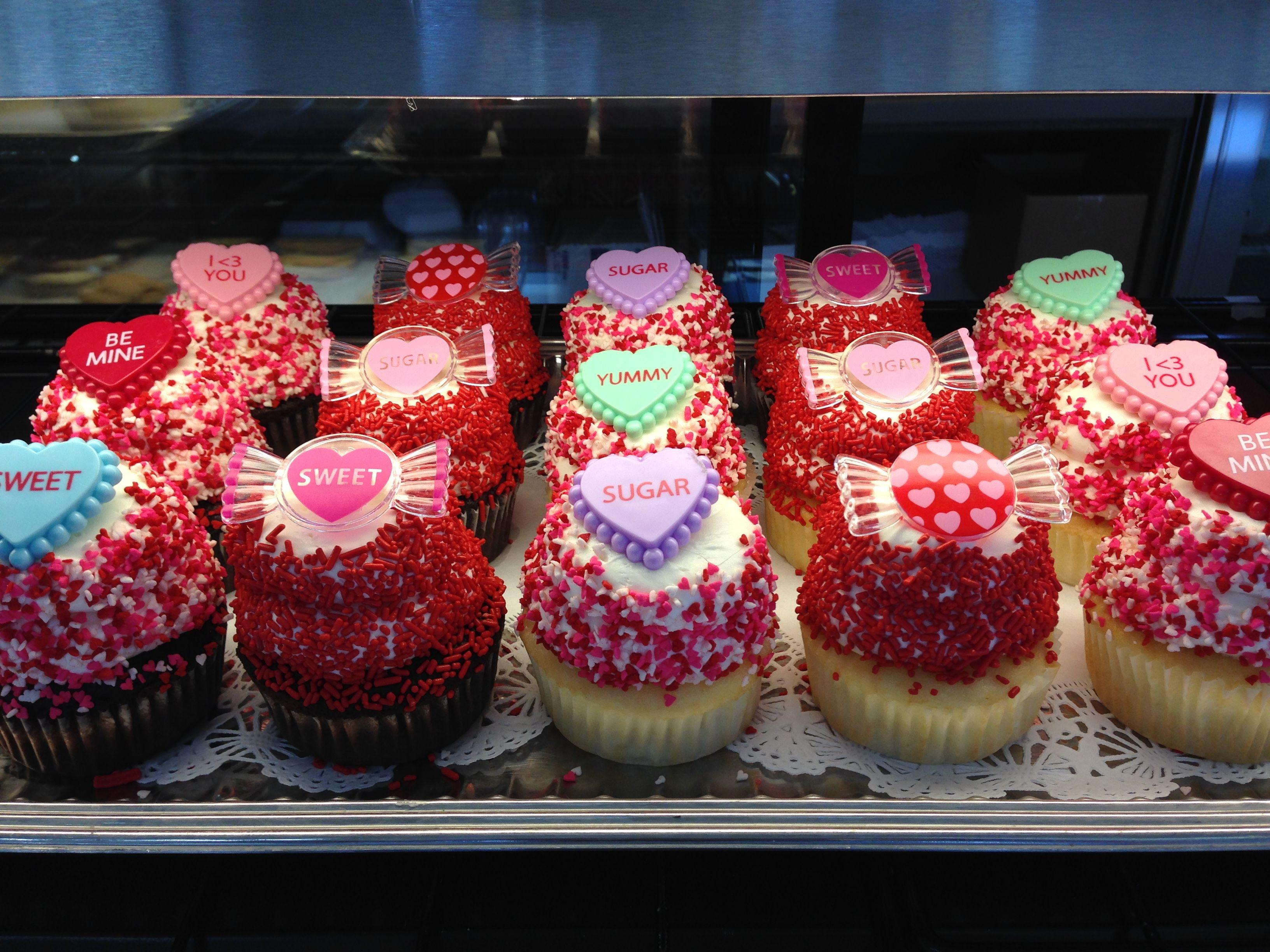 Loving Valentine S Day Puffy Muffin Dessert Bakery And Restaurant Www Puffymuffin Com Best Bakery Puffy Muffin Bakery
