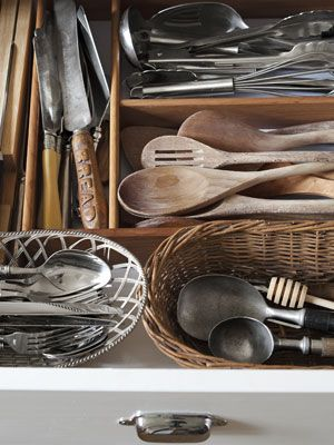 love all this antique kitchenware