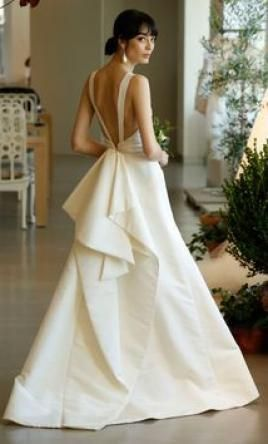 Oscar de la Renta 'Hayden' size 12 used wedding dress - Nearly Newlywed #beauty #style #fashion #hai...