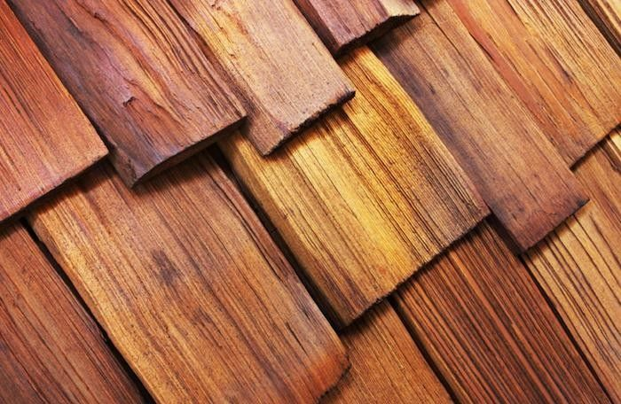 Hardscaping 101 Wood Shake And Shingle Roofs Gardenista Cedar Shake Roof Wood Shingles Wood Shakes