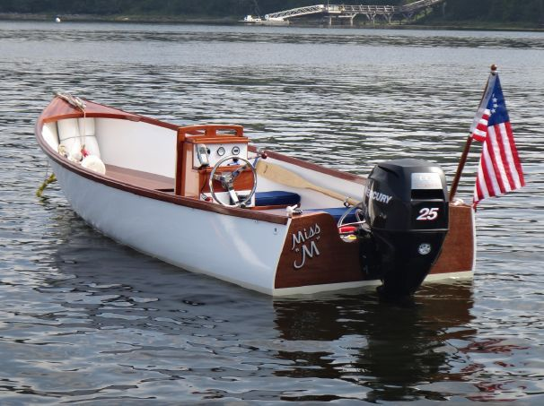 Joel White Jericho Bay Lobster Boat - very nice in white | Boats in 2019 | Wood boat plans ...