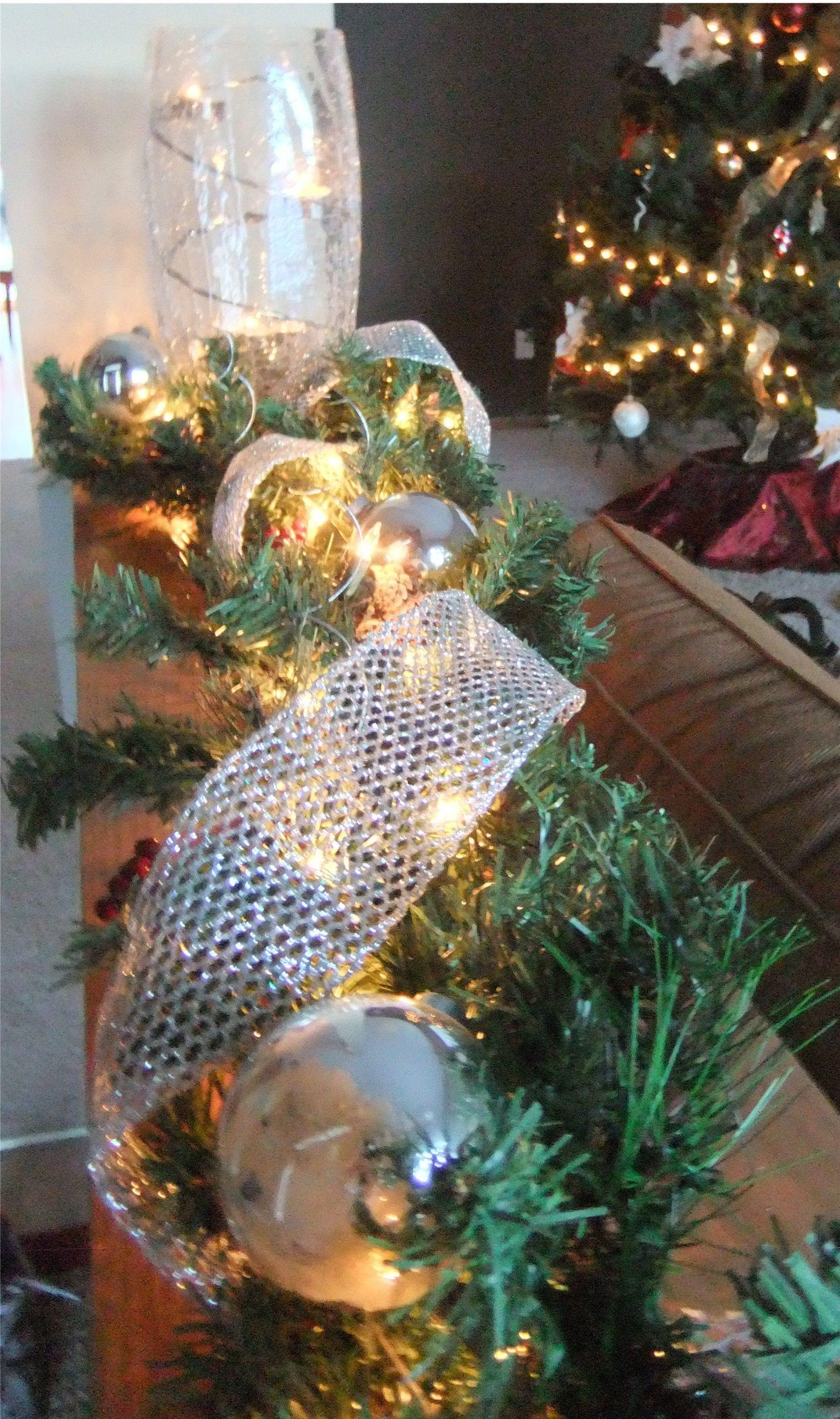 Christmas Garland Entry Ledge Decoration Idea