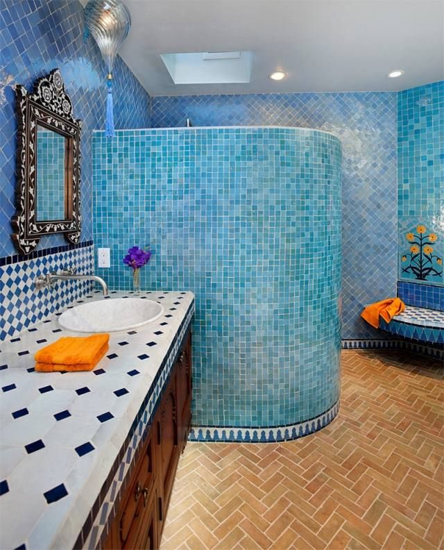 Badezimmer fliesen mosaik blau  blaue-Mosaik-Fliesen-Badezimmer-Dusch-Schnecke-orientalisch-flair ...