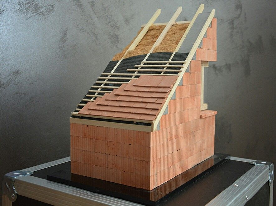 Maquette sur isolation de combles aménageables au 110ème Www - isolation mur parpaing interieur