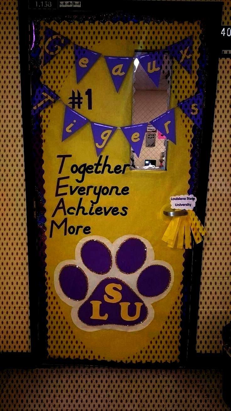 de la salle de classe à thème LSU - J'ai décoré ma porte pour notre journée de Math Fball Game