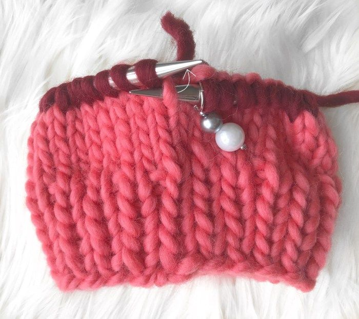 Two-Tone Chunky Beanie | Chunky beanie, Beanie knitting ...