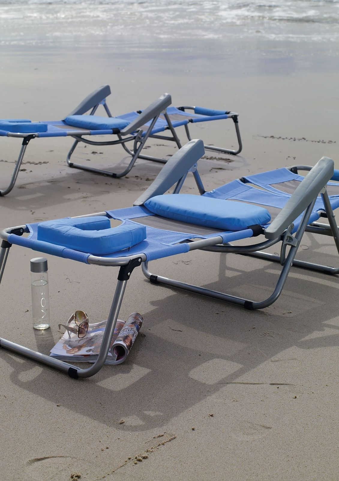 Our Exclusive Breezy Beach Sun Lounger Keeps You Cool And Comfortable The Seating Surface Is Made Of Breathable Quick Drying Duramesh That Allows Air