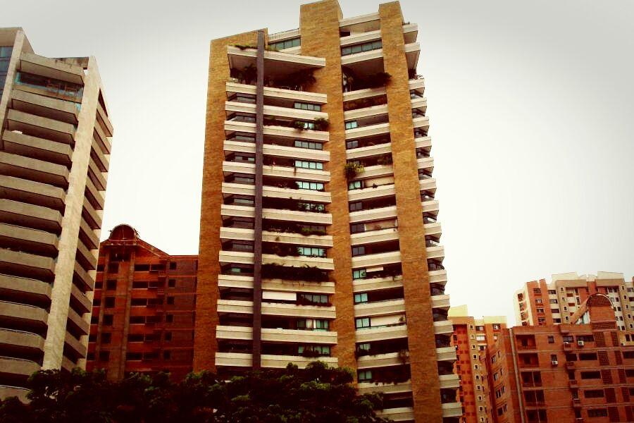 Apartamento en Venta en Valencia, CodFLEX 13-7443 Ybra www.RENTAHOUSEA1.com  Agua Blanca, Valencia Precio: 60,000,000 Bsf   Para mayor Información (fotos, videos, detalles) visite el siguiente Link: Apartamento en Venta en Valencia, CodFLEX 13-7443 Ybra