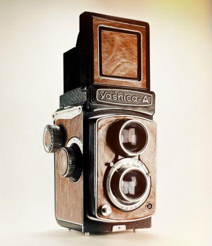 Yashica A Medium Format 6x6 Vintage TLR Lightburn Film Camera 80mm F3 5 Lens