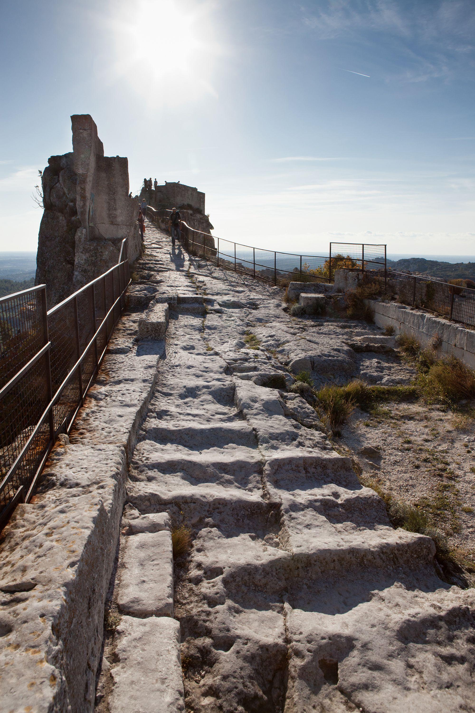 Escalier Du Chemin Du Ronde Du Château Des Baux De Provence S Lloyd Stairways Lighthouse Staircase