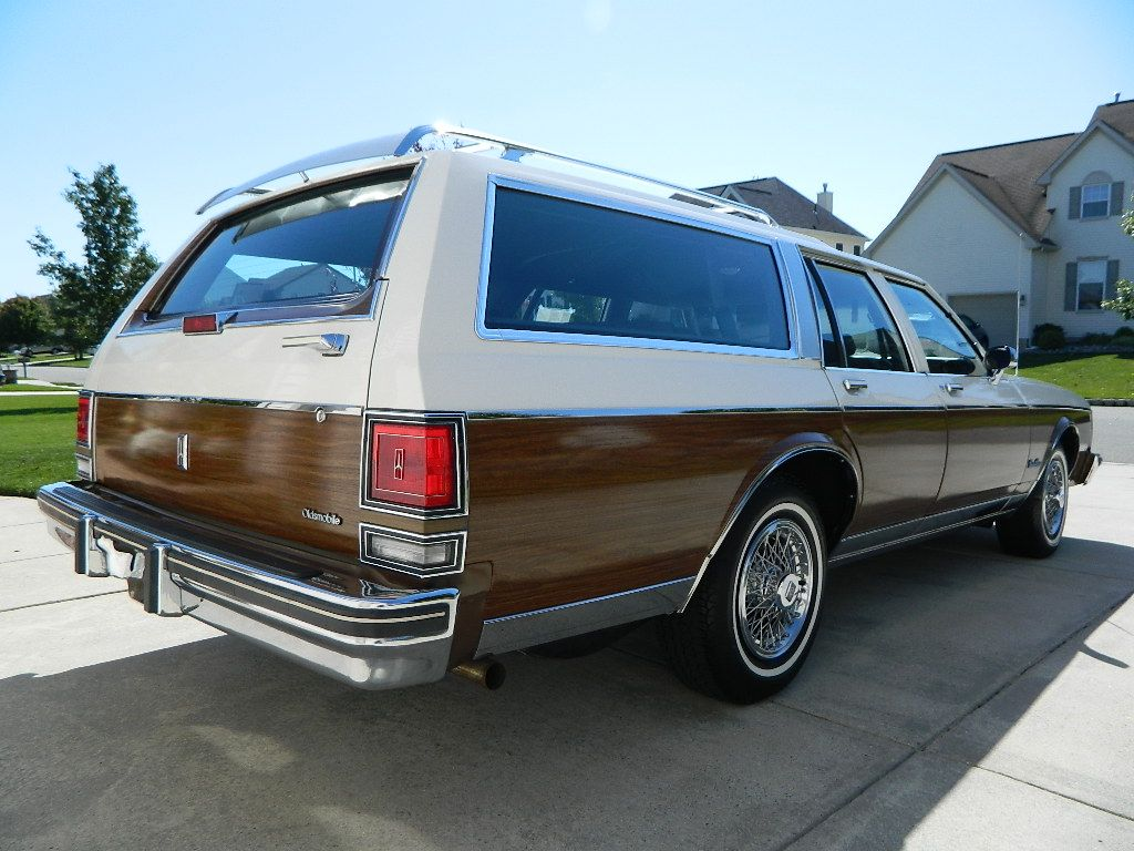 1968 buick electra 225 2 door hardtop front 3 4 81136 -  89 Oldsmobile Custom Cruiser Station Wagon