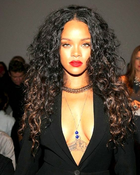 Top 5 Celebrity Curly Hairstyles   Curly hairstyles, Top ...