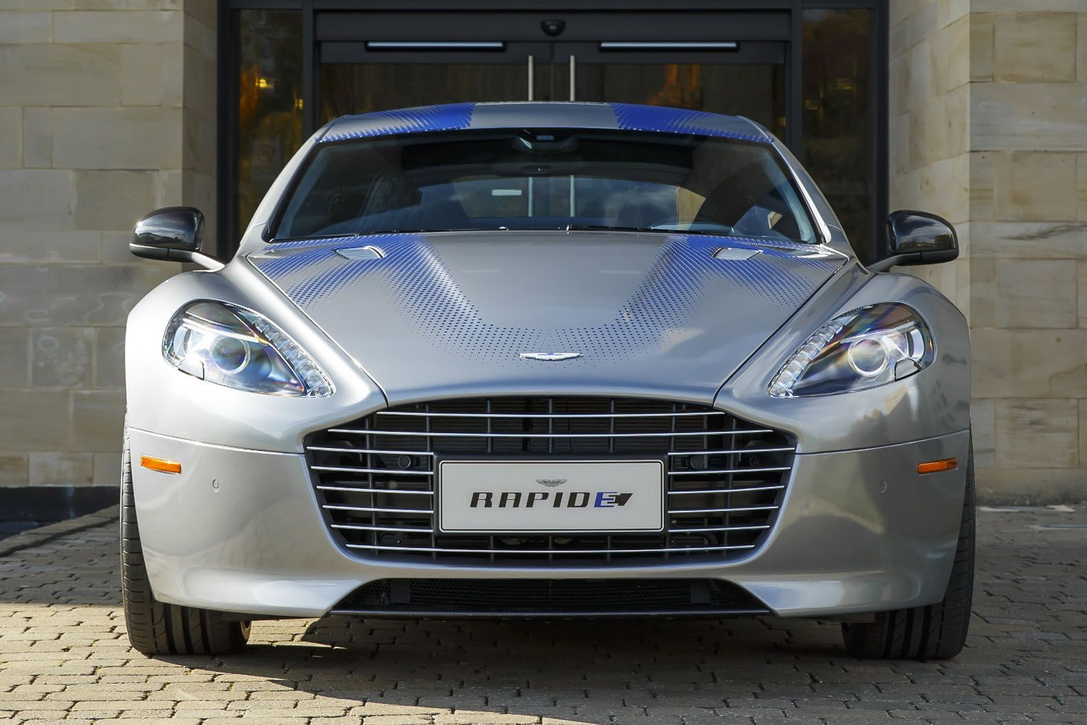 Aston Martin Rapide Electric Concept Previews The Automaker S 800 Hp Electric Sedan Aston Martin Rapide Aston Martin Aston