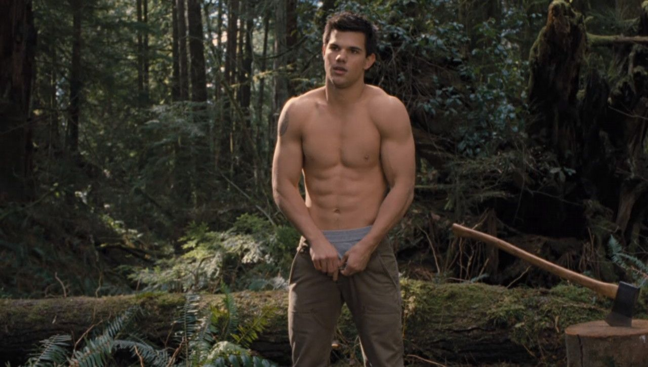 Taylor lautner naked photos