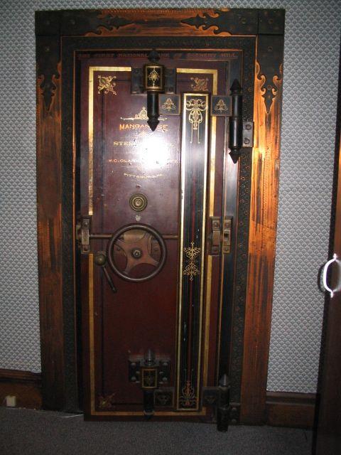 Old Vault Door | Antique Safes / Vault door | Hangar Ideas ...