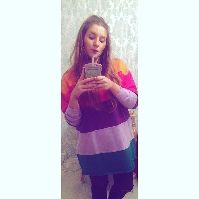 ✨✨✨ #lazyoaf #rainbow #jumper #selfie #skinnydip