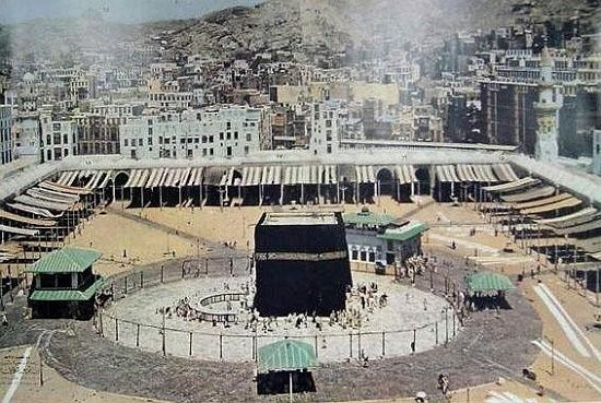 The Meccan Homes Surrounding The Holy Mosque 1954 1371ah بيوت أهل مكة حول الحرم المكي ١٩٥٤م ١٣٧١ه Mecca Islamic Pictures Mosque