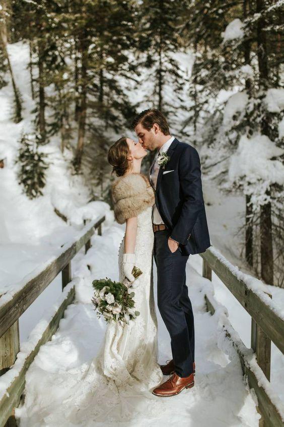 Wunderschöne Winterhochzeit in der Emerald Lake Lodge | Rocky MoutaninsReal Hochzeiten   – Wedding Ideas
