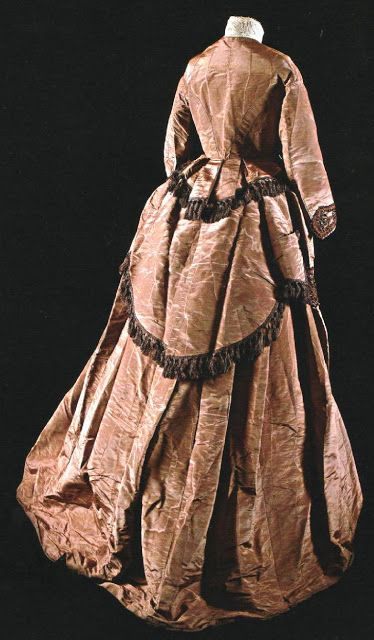 History of Fashion and Textiles: Collection of Ana González-Moro Walking Suit   ca. 1870. Body moirée