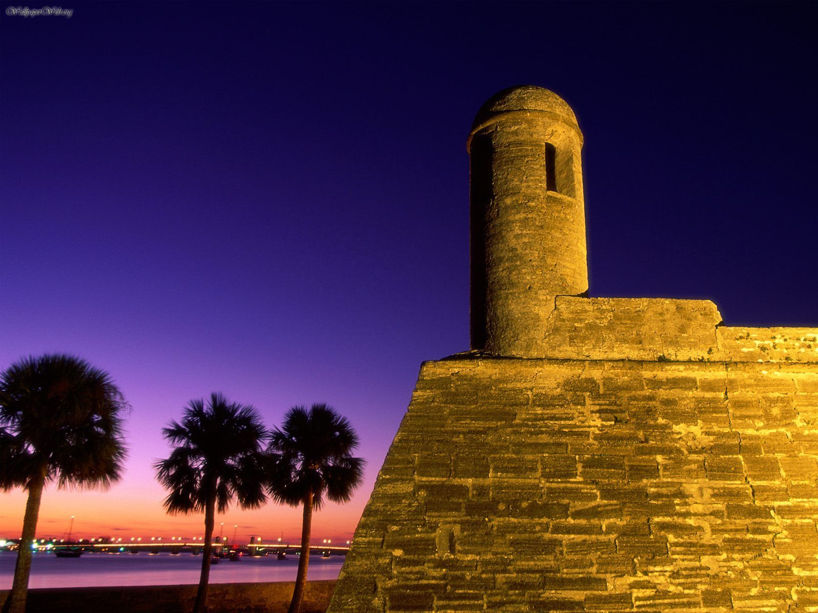 The Castillo de San Marcos, St Augustine, Florida is very ...