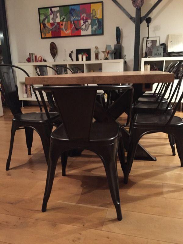 Table salle à manger, bois massif, pieds X Tables de salle à