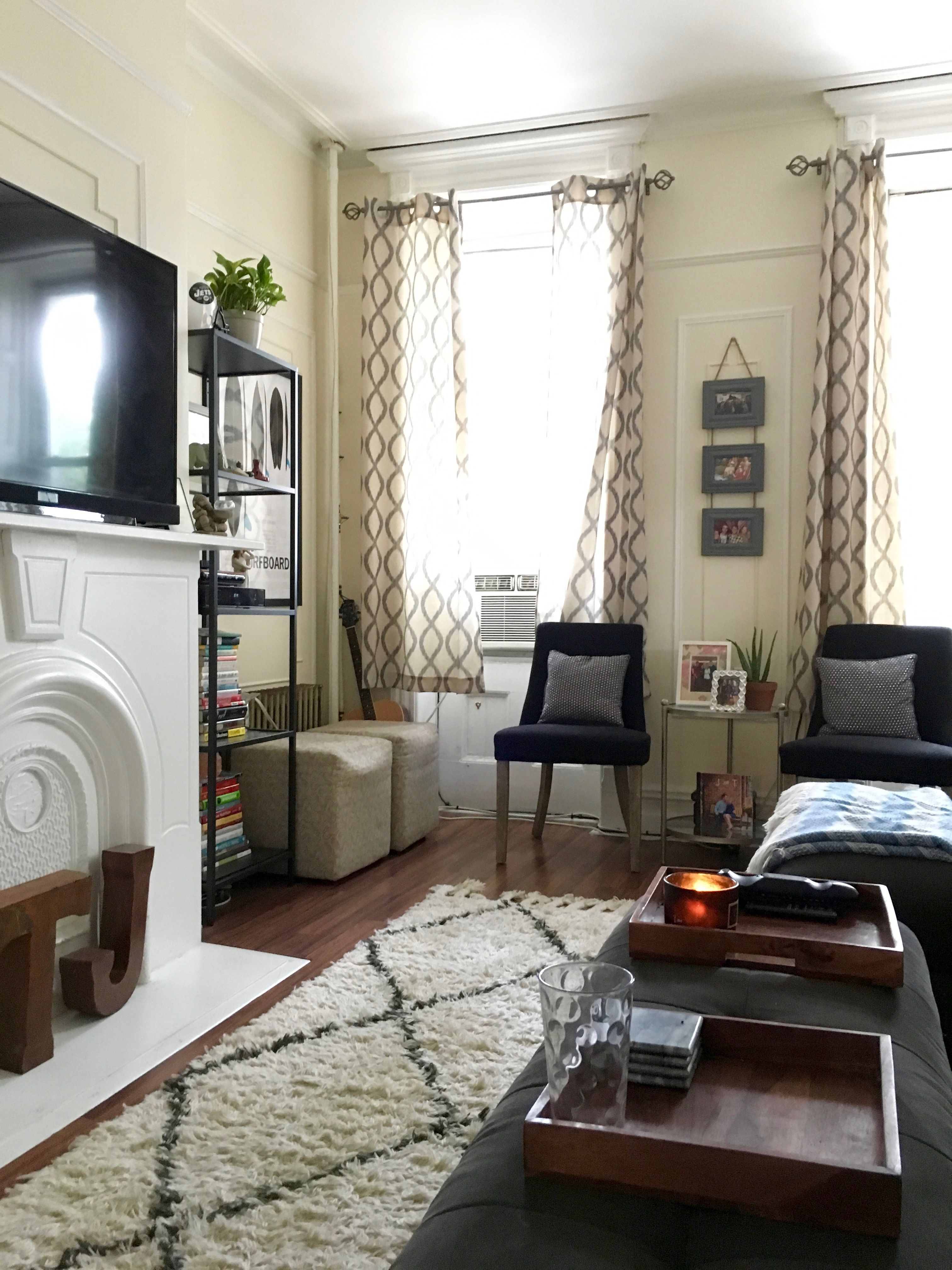 A Comfy & Cozy Railroad Apartment | Railroad apartment ...