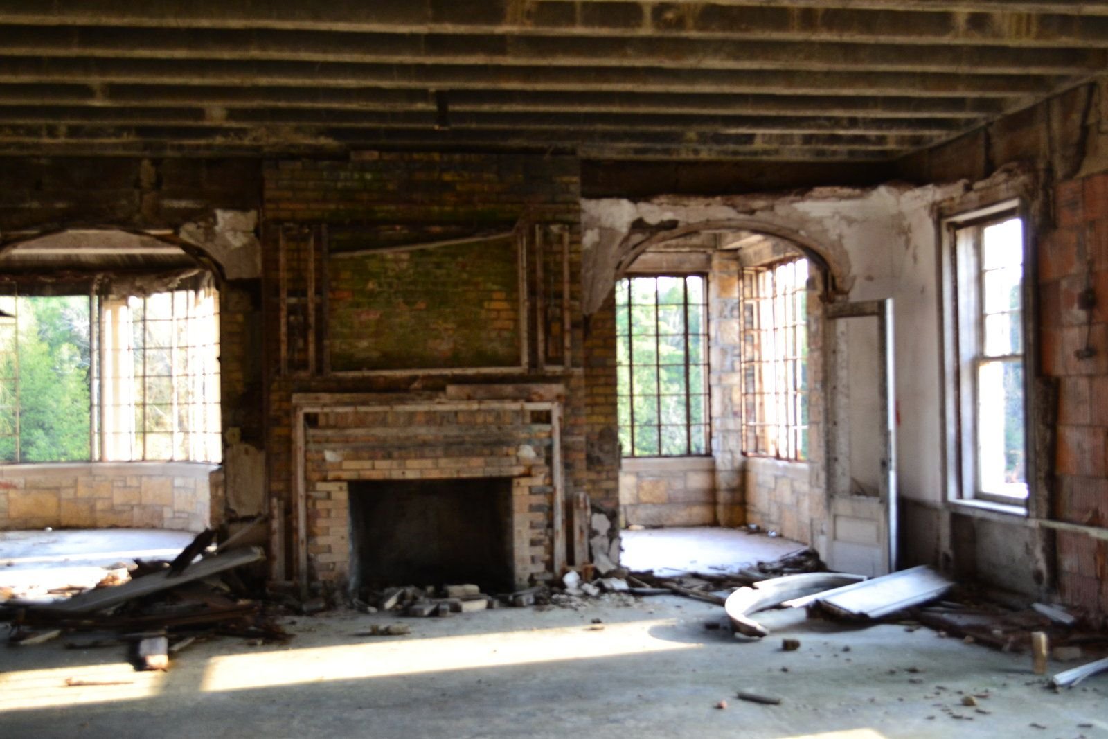 Burnt Down Abandoned Mansion Fireplace By Messiah220 Deviantart