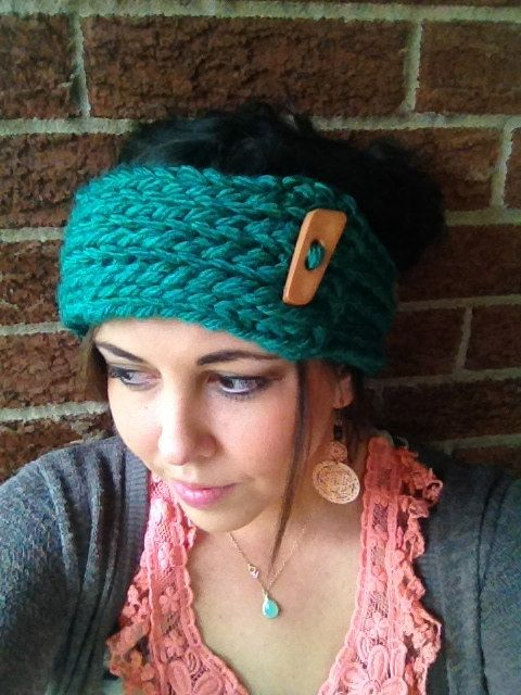 This slip-on headwarmer is perfect for cold winter days! Available in a variety of different colors, this head accessory is approximately 3 inches wide and custom made to fit infants, children, or adults. The natural wooden button makes this headwarmer fashionable and fun for any occasion.