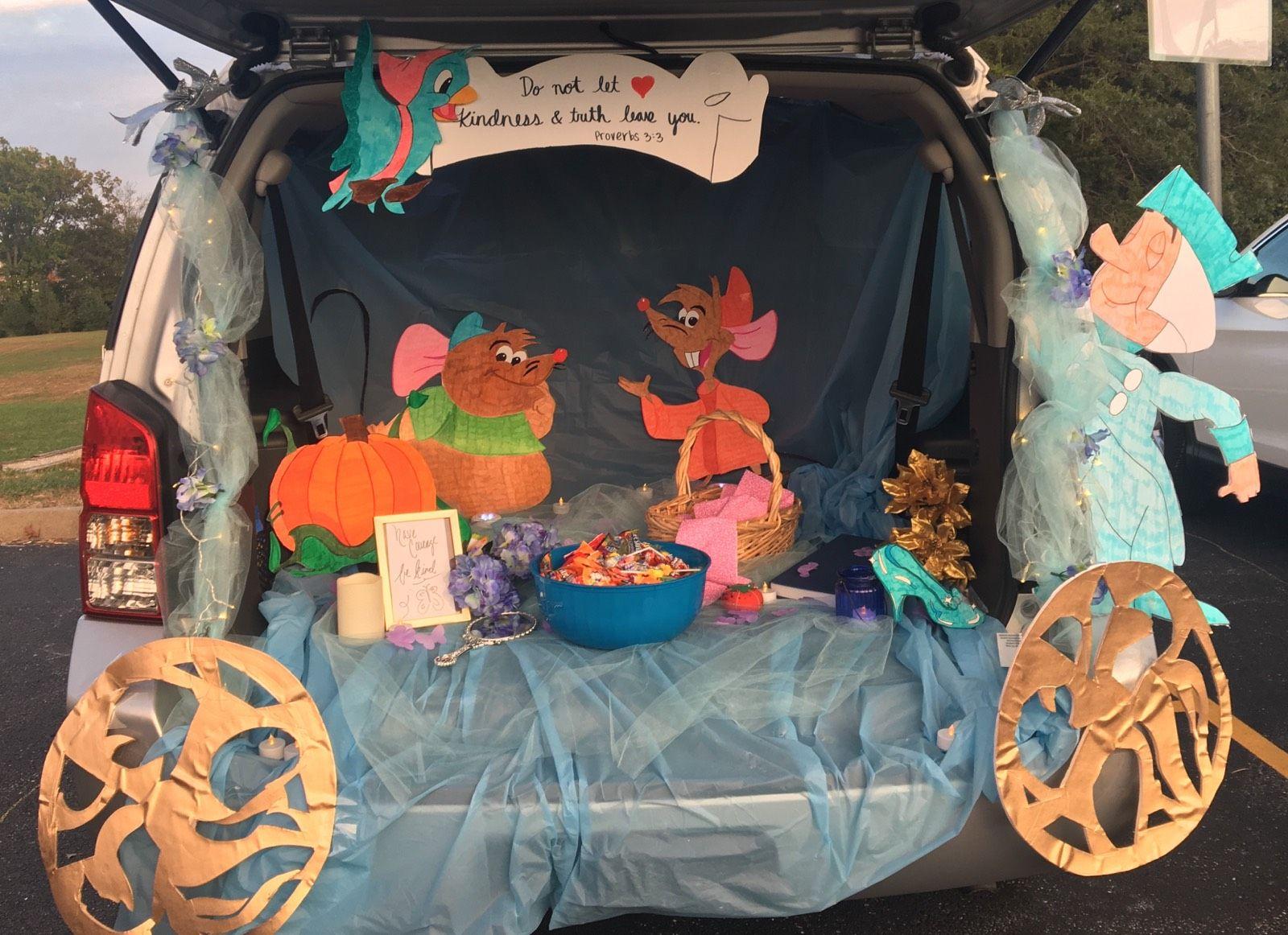 Cinderella Trunk or Treat idea! #trunkortreatideasforcarsforchurch