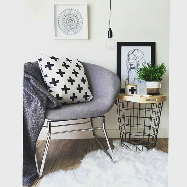 grey fur rug padded bench closet design ideas | @artisticlifestyle1 has created another beautiful space ...