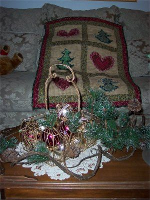 Christmas raggedy quilt with ragged hearts and trees!