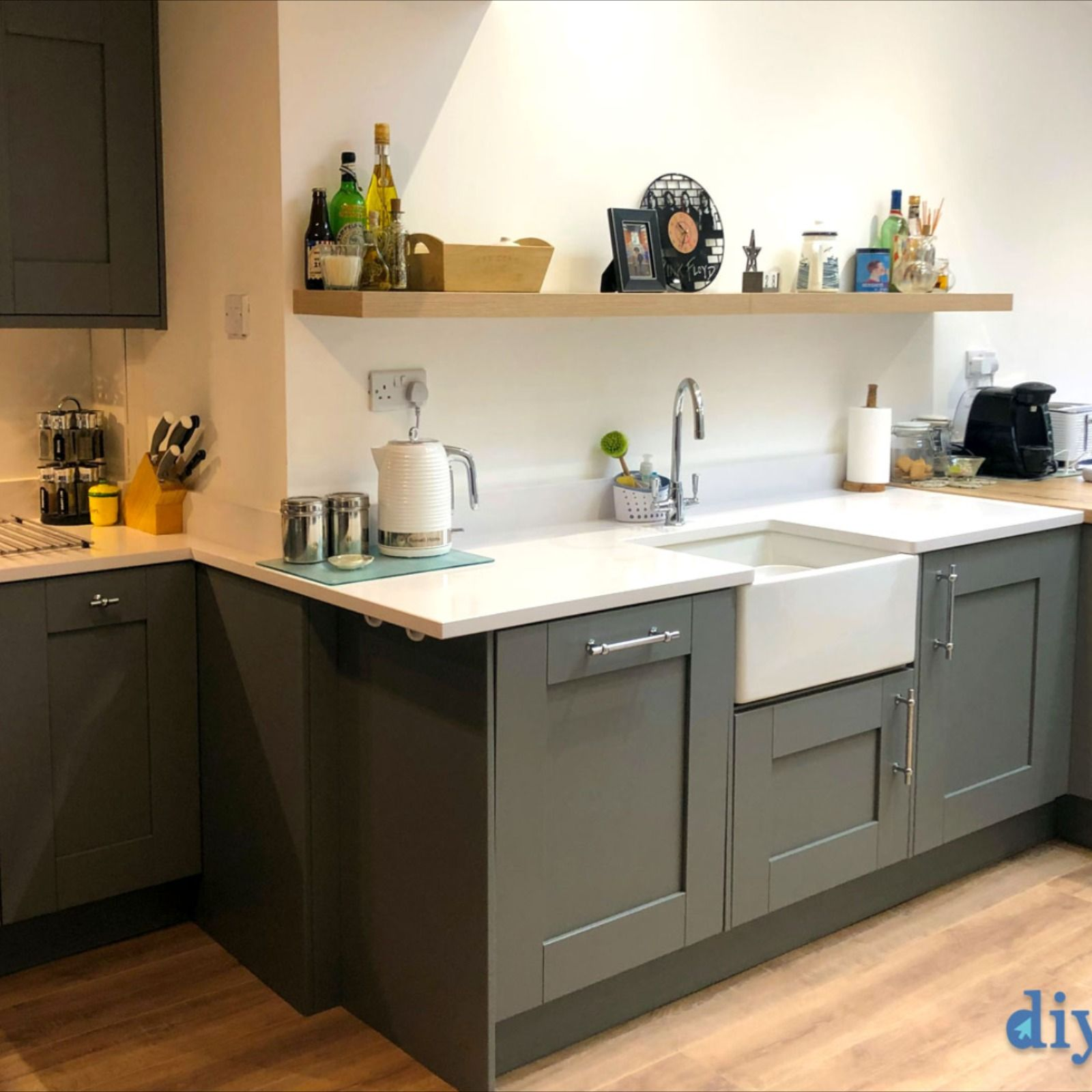 An Innova Malton Dove Grey Shaker Kitchen (2020) Grey