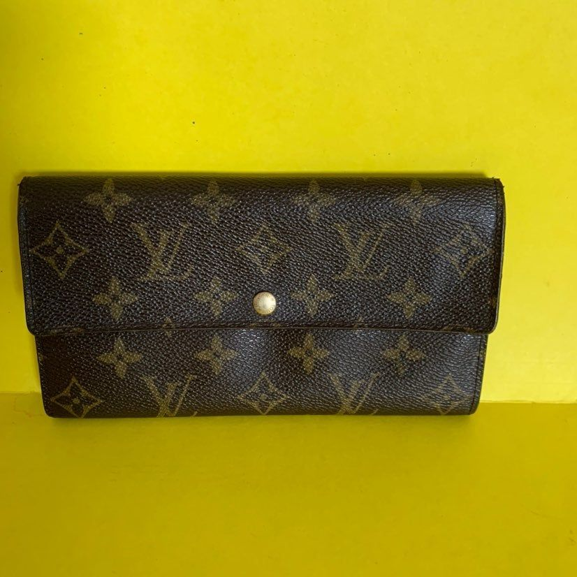 This Is Preloved Authentic Louis Vuitton In Great Shape Everything Like New Condition Please See The Picture For All Louis Vuitton Wallet Louis Vuitton Vuitton