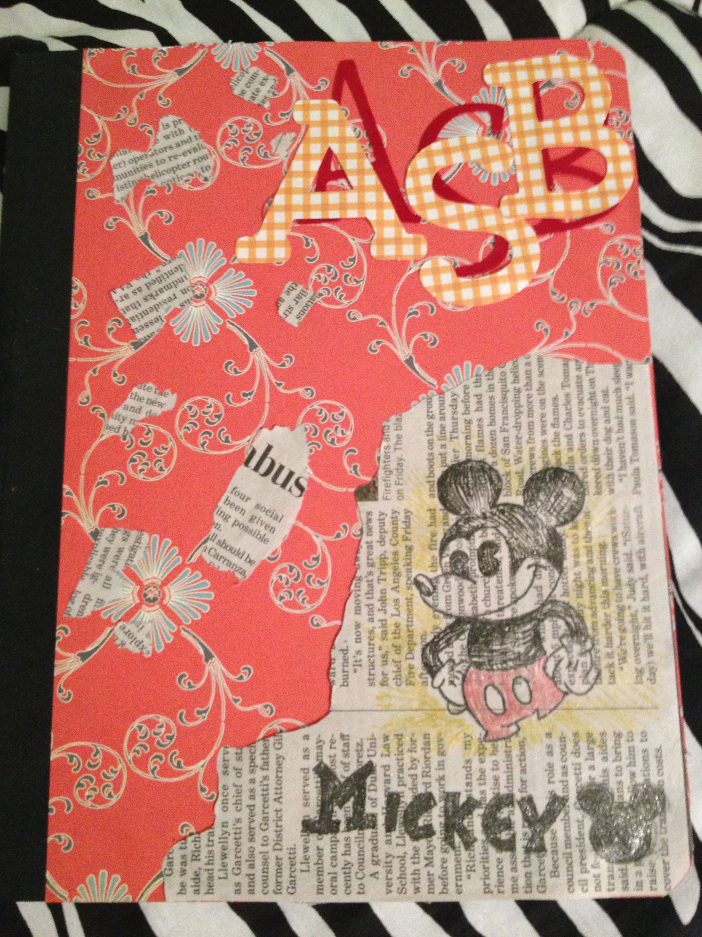 I decided to decorate my notebook Disney style (;