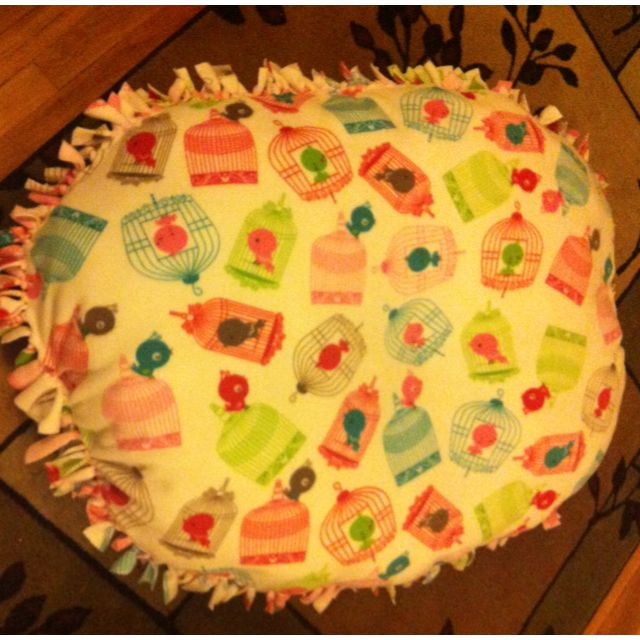 No sew baby floor pillow - totally doing this but filling with a floor pillow or dog pillow instead of poly so it can be removed and washed. & No sew baby floor pillow   Stuff I Made   Pinterest   Sew baby ... pillowsntoast.com