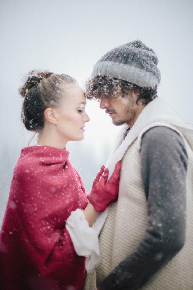 Snow Wedding Inspiration   Paola Colleoni Photography   Barbara Pederzini, Fatamadrina   Bridal Musings Wedding Blog