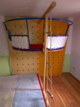 ein traum f r jedes kind kletter und spielturm von. Black Bedroom Furniture Sets. Home Design Ideas