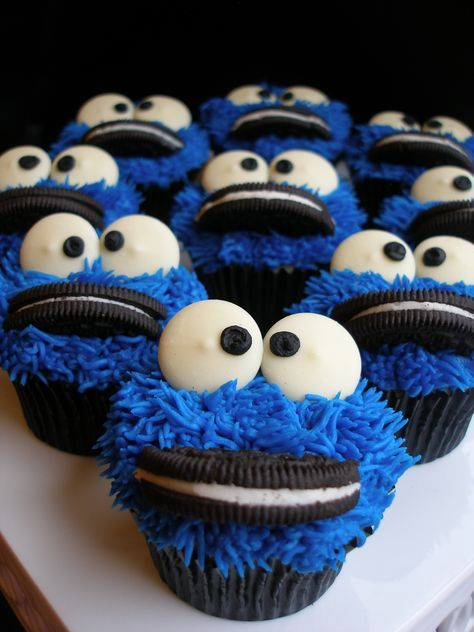 Cookie Monster Cupcakes...