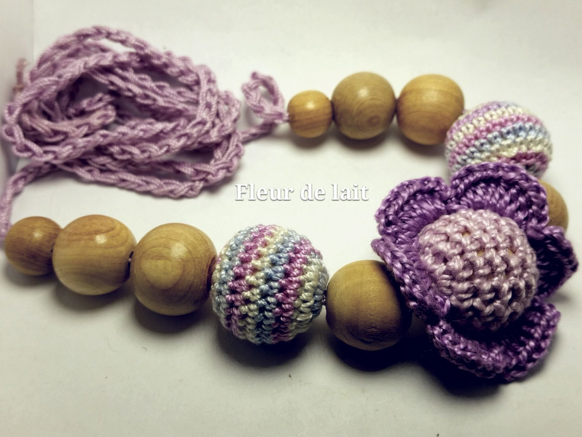 Collier D Allaitement Fleur De Lait Violet Puericulture Par Fleur