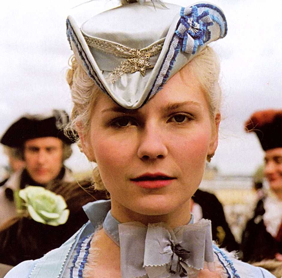 The tricorn hat from marie antoinette le sigh milena the tricorn hat from marie antoinette le sigh milena canorero pronofoot35fo Image collections