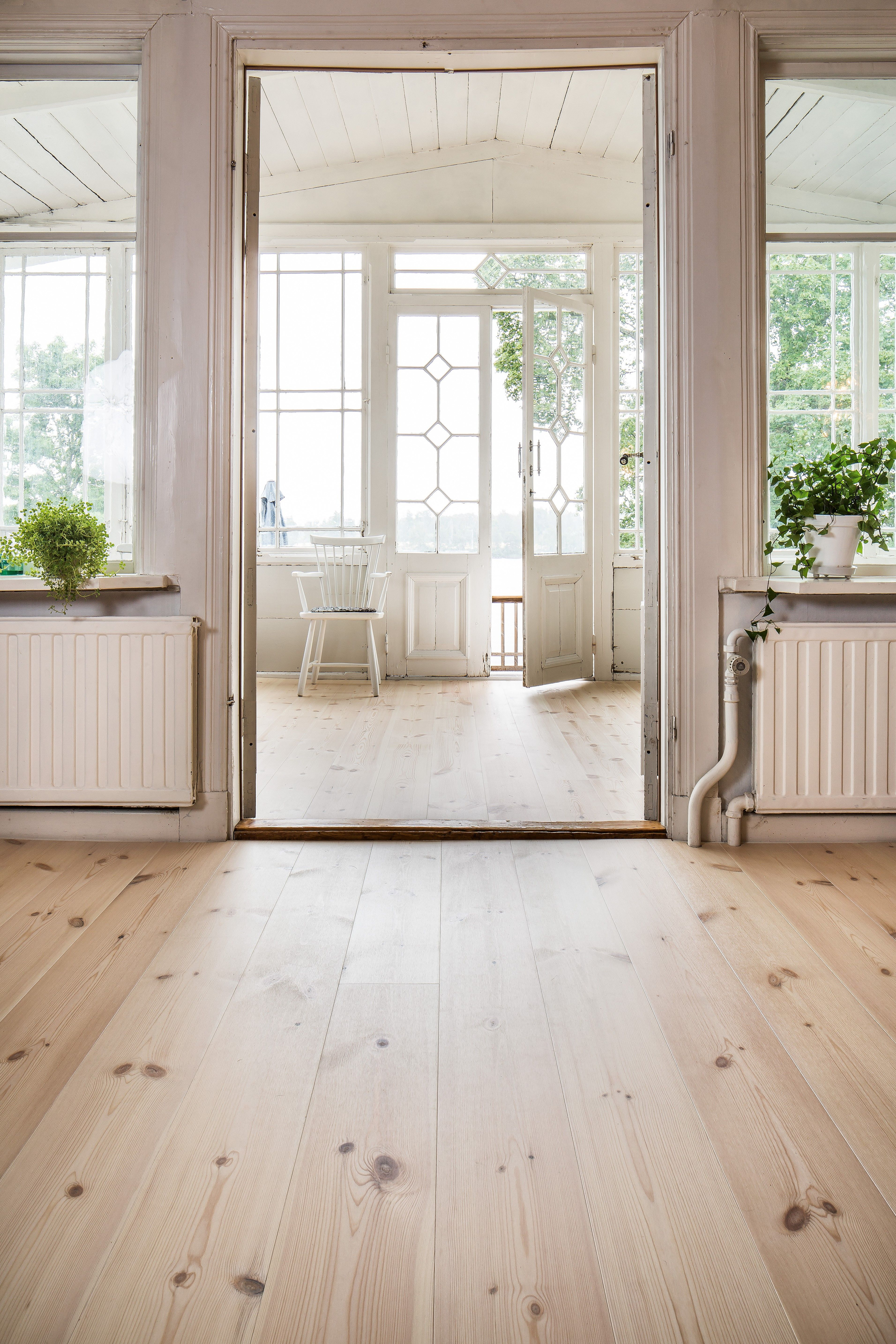 Beautiful White Waxed Pine Floorings From Rappgo Morkaskog Pine Wood Flooring Flooring Pine Floors