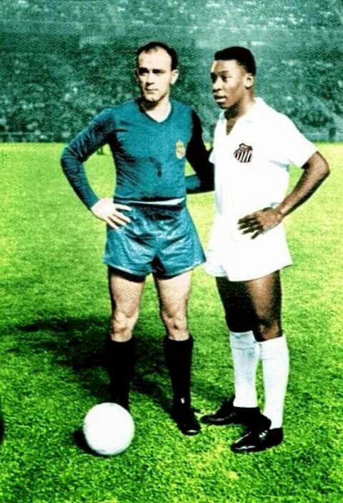 Di Stefano e Pelé no Santiago Bernabéu, em 1959. Real Madrid 5x3 Santos  #RMSLHistory  #Legends #HalaMadrid⭐