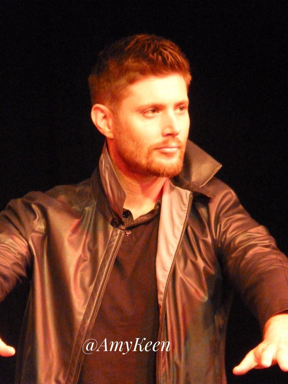 Jensen And His Reversible Leather Jacket Beautiful Jensen Ackles Jensen Supernatural [ 1365 x 1024 Pixel ]